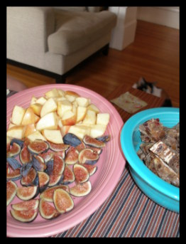 Figs, Apples and bread cubes